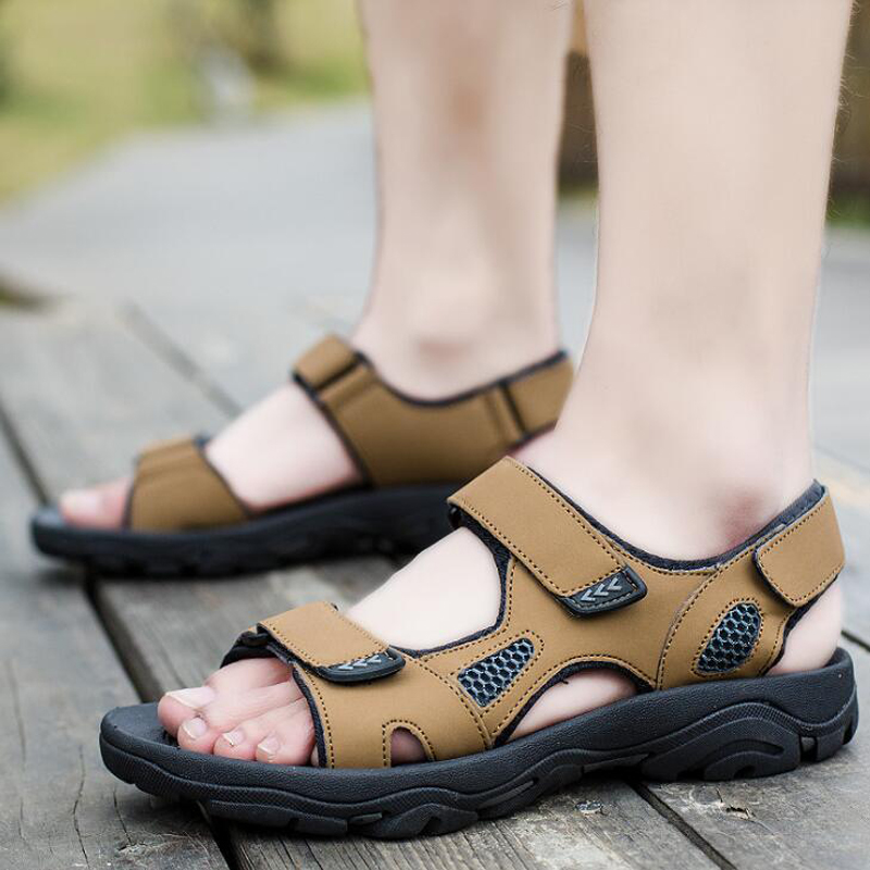 2018 Summer Men Sandals Hook & Loop Decor Men Shoes Sewing Hard-wearing Men Beach Shoes Sandalias Hombre