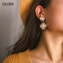 OLOEY Fashion Long Earrings For Women Boho Retro Flower Shape Drop Earrings Elegant Pendant Round Pearl Earring Geometric Female pair of noble retro style rhinestone embellished geometric shape earrings for women