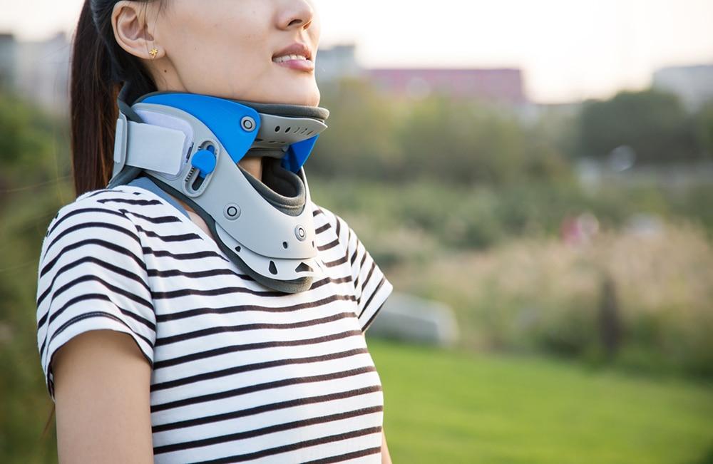 LJ-101 New Brand Adjustable Cervical Collar Medical Collar Cervical Vertebra Suitable For Neck Severe Strains/Sprains new design adjustable cervical collar suitable for resetting and fastening of cervical vertebra dislocation