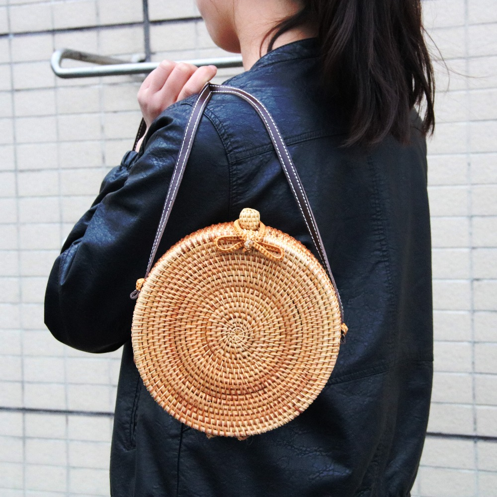 2018 Round Straw Bags Women Summer Rattan Bag Handmade Woven Beach Cross Body Bag Circle Bohemia Handbag Bali handmade flower appliques straw woven bulk bags trendy summer styles beach travel tote bags women beatiful handbags