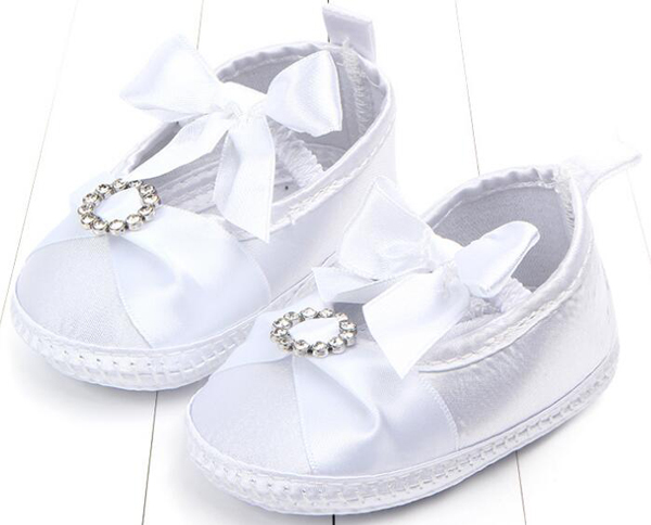 Baby Girls Shoes Newborn White Satin Lace Infant Shoes Prewalkers Little Girls Crib Shoes Nonslip Christenning Wedding Crystal