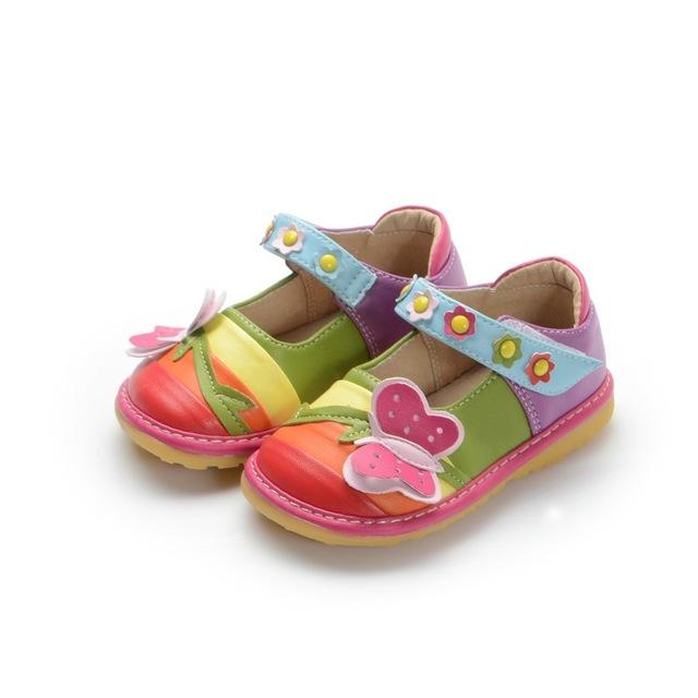 Bonito da criança do bebê menina rainbow butterfly couro squeaky shoes menina shoes frete grátis pele de porco macio interno