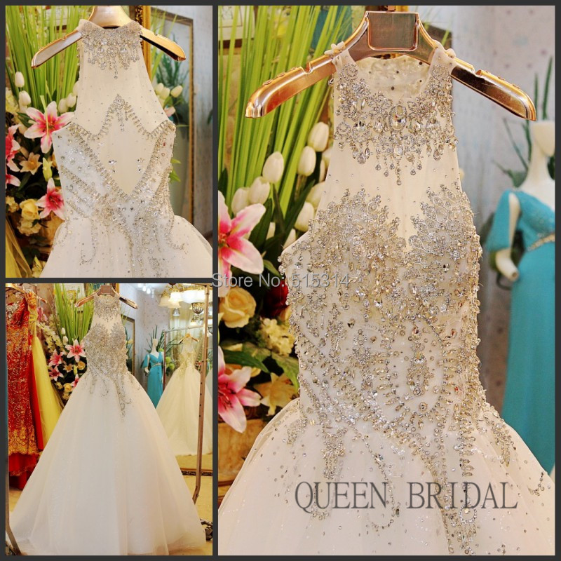 Princess halter crystal beaded sequin lace wedding dress rhinestone applique ball gown bride dresses gown QUEEN BRIDAL BS47