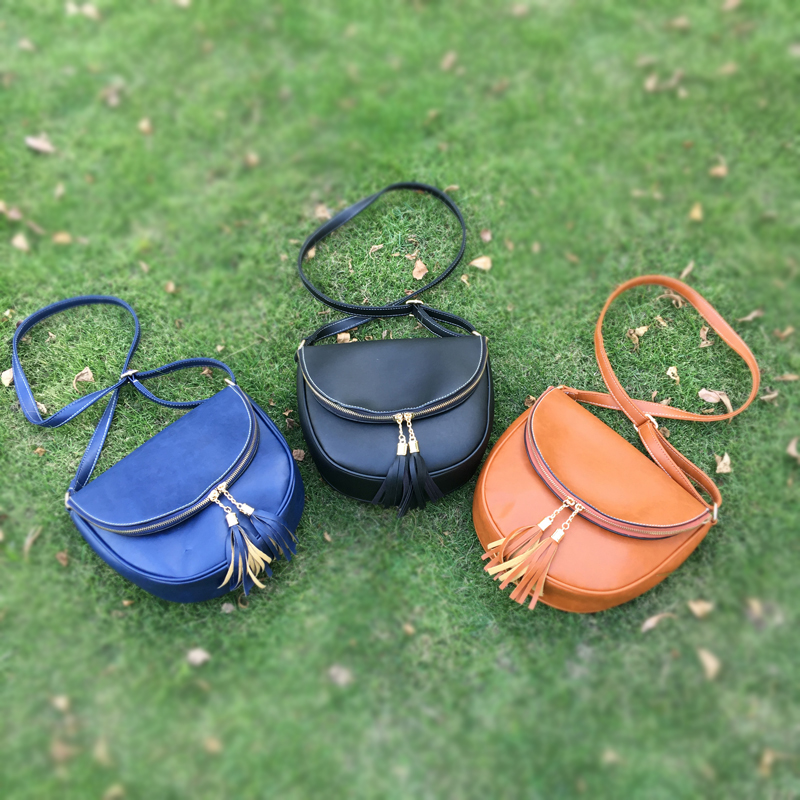 Brown Round Vegan Leather Tote With Double Zipper Tassels , Navy Totes Vegan Leather Tote DOMIL-1010400