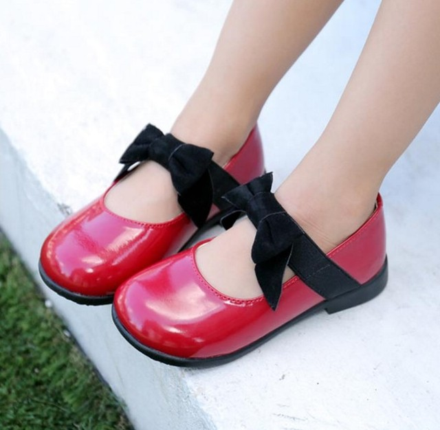 Round children's shoes princess girls 2017 spring and autumn new mother and daughter black peas shoes