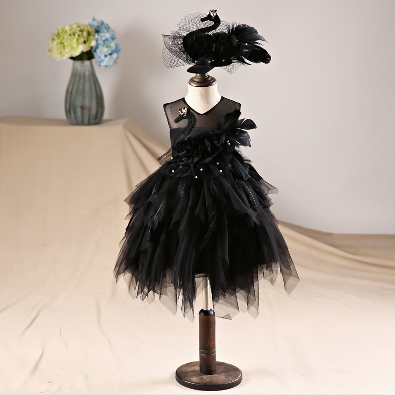 купить 1-12 Y Gorgeous Black Swan Flower Girl Dresses Ball Gown Kids Pageant Dress for Birthday Costume Tulle Princess Party Gowns B125 по цене 8037.3 рублей
