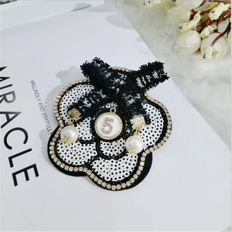 Camellia White Black Flowers Pearl Bouquets Corsage Luxury Brand Designer Jewelry 2017 Brooch Pins Broach For Women Lapel