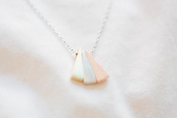 Neue 3 Farbe Dreieck Halsketten Brautjungfer Geschenk minimale kleine einzigartige Anhänger lange Kette zierliche coole einfache Schmuck