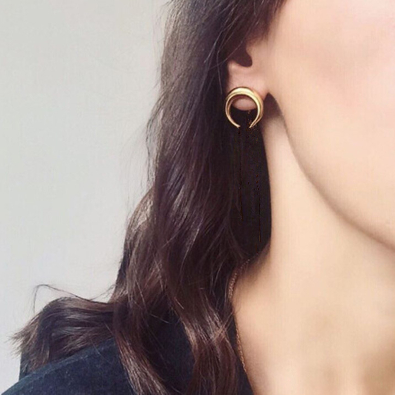 E058 New Crescent Design Stud Earrings Gold Color Moon Stud Earrings Women Fashion Jewelry Wholesale Small Boat Ear Accessories