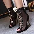 2017 Sexy bandagem botas rendas botas legais recorte gaze botas de primavera e outono saltos finos cinta sandálias altura superior feminino 35-40