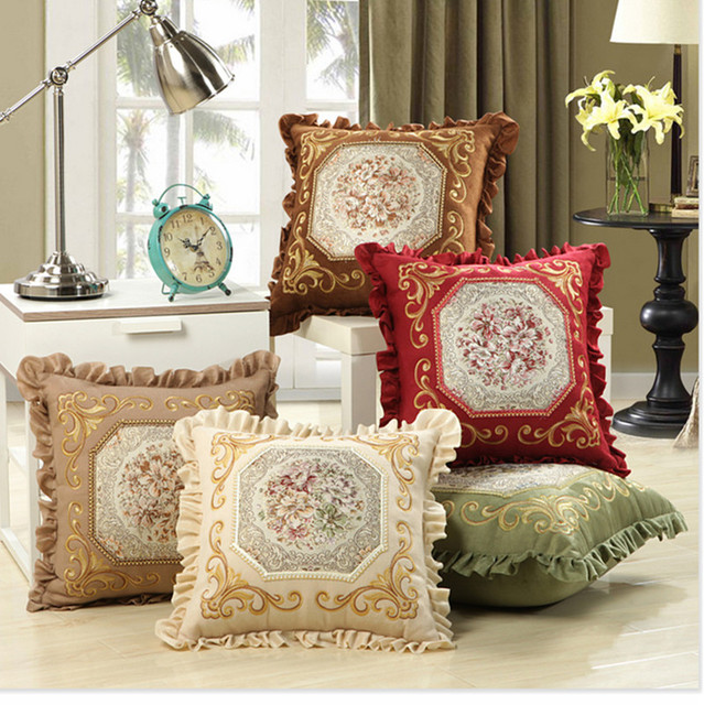Как украсить вышивкой подушку