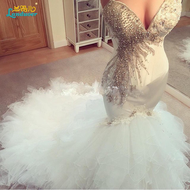 Stunning Heavy Beaded Mermaid Wedding Dress 2017 Ruffles Fish Tail White Sweetheart Bridal Gown Vestidos De