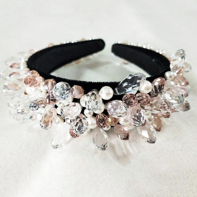Фото роскошный блестящий кристалл модный современный стиль корона