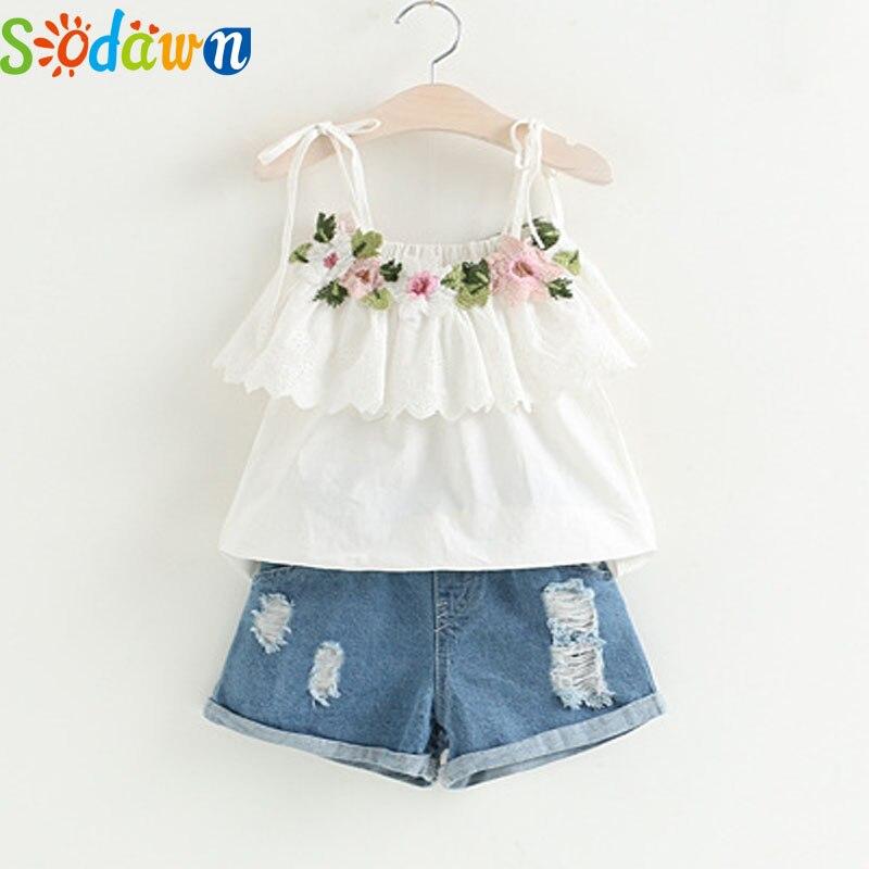 Sodawn/Модная одежда для девочек комплект 2018 Летний костюм для маленьких девочек белая куртка украшенные цветами + Джинсовые шорты Детская Костюмы