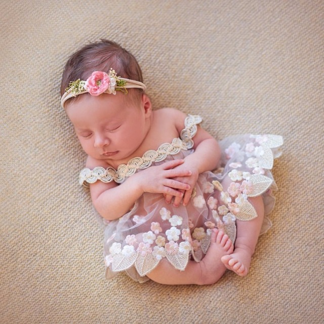 2017 handmade newborn photography props embroidery dress princess baby lace dress pearl crown headband