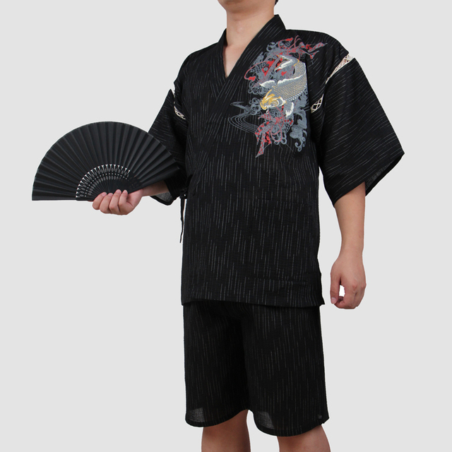 2018 Traditional Japanese Cotton Kimono Suit Men Short Sleeve Fish Patterned Pajamas summer style Yukata cosplay costume A52507
