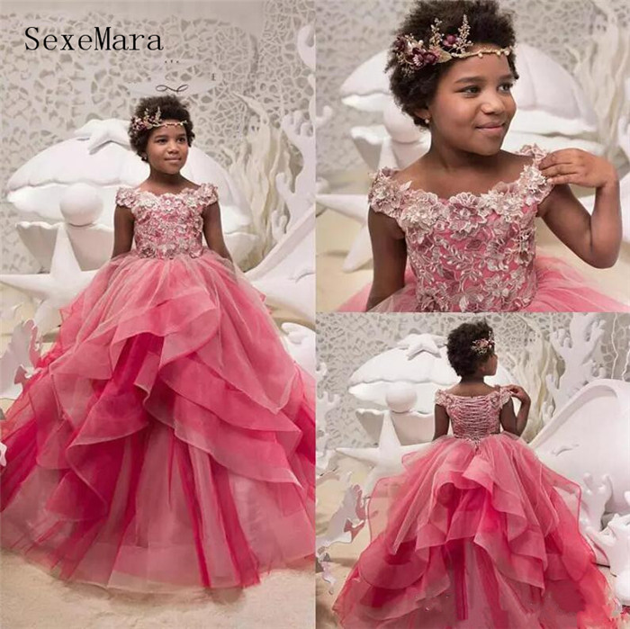 все цены на Lovely Customized Flower Girls Dresses For Weddings Cap Sleeve 3D Applique Communion Dress Girls Pageant Gown Christmas Dress