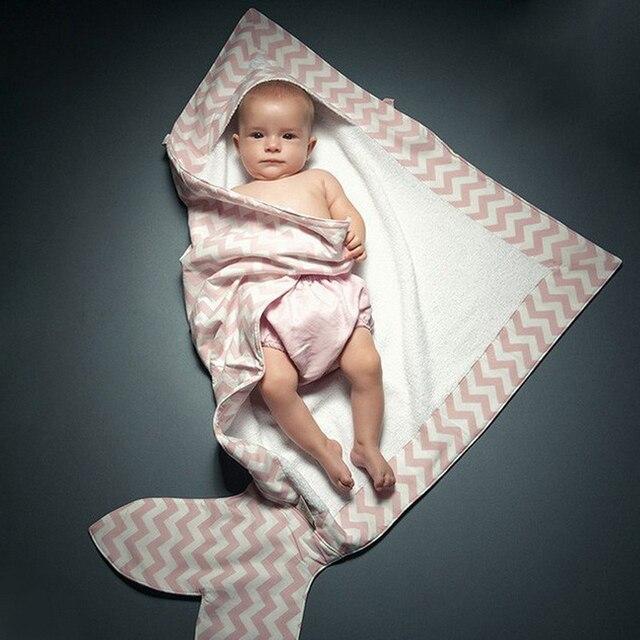 Оптовая Полосатый хлопок полотенце новорожденного мягкие теплые одеяла форме рыбы осенью и зимой теплый ребенок пеленание одеяло хлопка