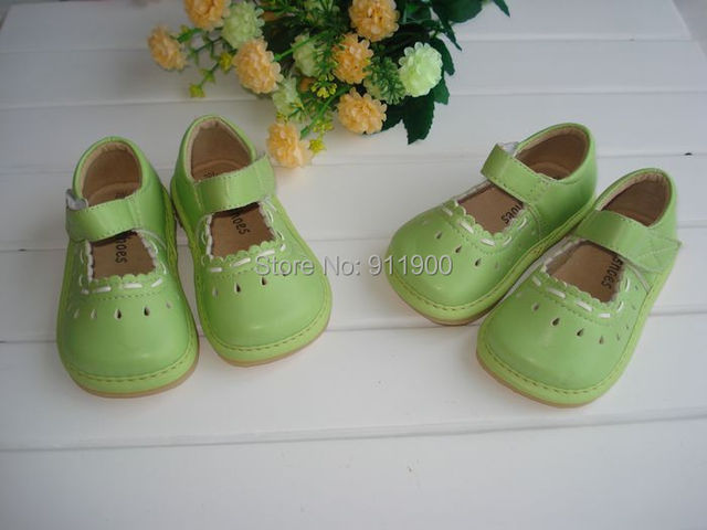 Baby Girl Shoes Breathable Pigskin Lining Squeaky Shoes Light weight Soft Sole Baby Shoes