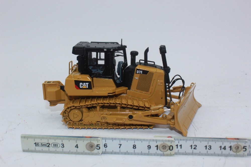 Collectible ALLOY MODEL DM 1:50 SCALE CATERPILLAR CAT D7E TRACK TYPE  TRACTOR DOZER BY DIECAST MASTERS 85555 for Gift,Decoration
