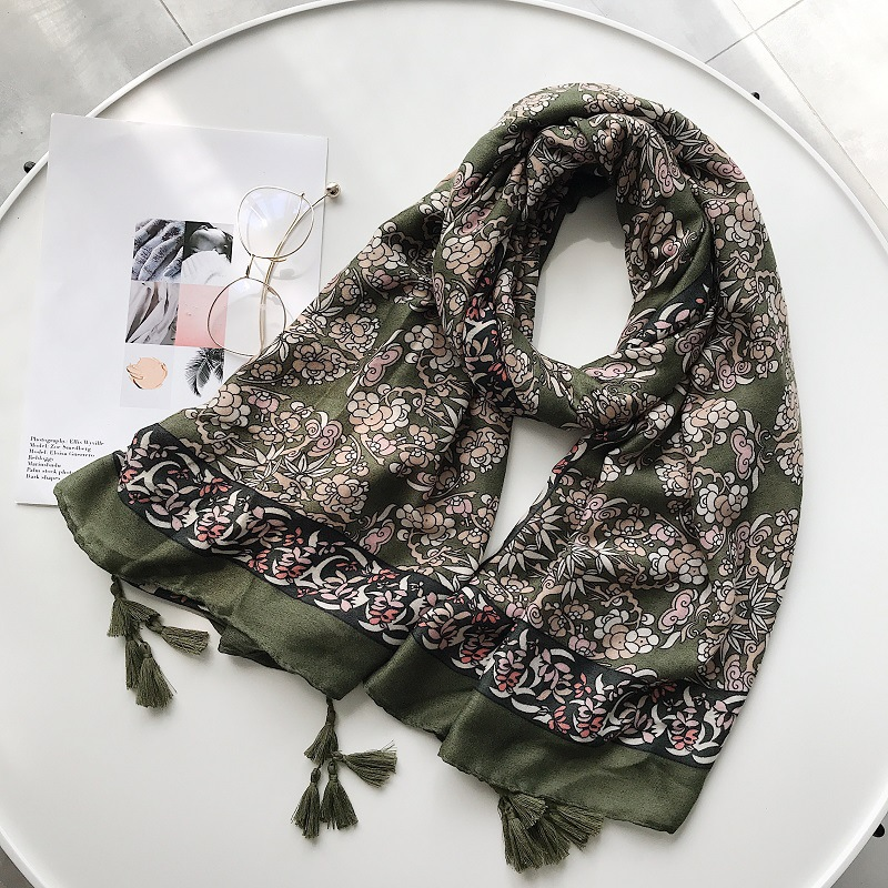 2018 New Bohemian Style Cotton Floral Pattern Tassel Scarves Shawls Vintage Flower Scarf Wrap Hijab 10PCS/lot Free Shipping