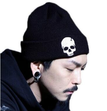 2018 Men Winter Warm Knitted Hat Beanies Sons of Anarchy Skeleton Skulls Cool Black Hat For Adult Men Winter Knitted Hat Caps