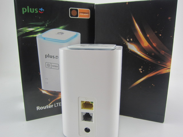 Huawei E5180s-22(same as Huawei E5180As-22) Cube E5180As-22 CPE LTE Router 150 Mbit/s LAN 32 User