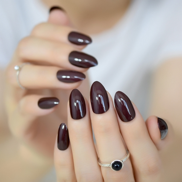 Almond Design Acrylic Candy Nails Dark Chocolate Sharp Medium Stiletto Fake Nail Art Kit Without Glue
