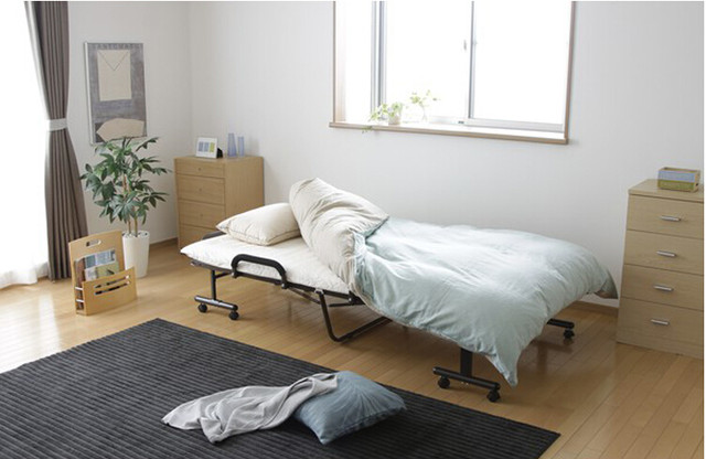 Online Shop Japanese Tatami Metal Folding Bed Frame With Caters ...