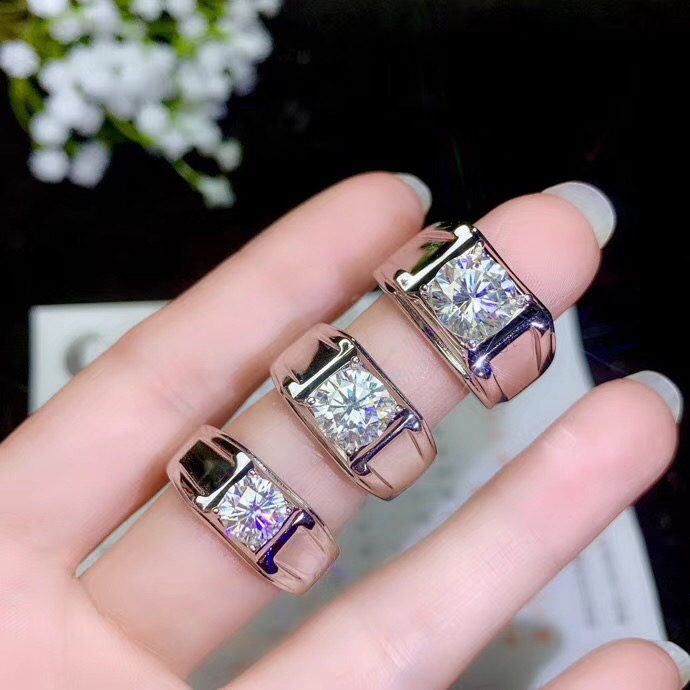 moissanite Men s ring simple atmosphere the latest design 925 Sterling silver white gemstone color high