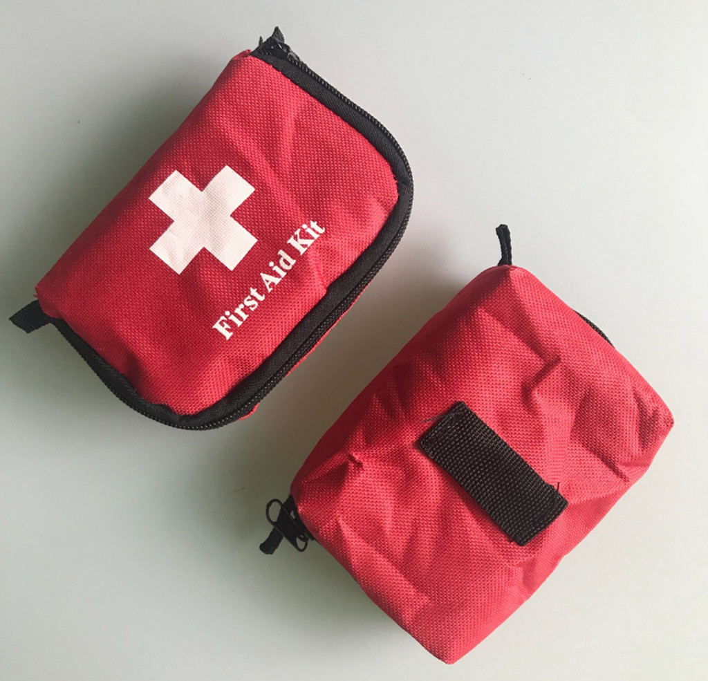 Survival Kit Portable First Aid Kit Outdoor Hiking Camping Travel Emergency Medicinal Bag Waterproof Canvas Sports Survival Bag