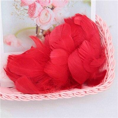 Разноцветные, 100 шт, гусиные перья, 8-12 см, гусиные перья, сценический шлейф, перья, промытый гусиный пух, пушистый шлейф для свадьбы, 3-4 дюйма - Цвет: red