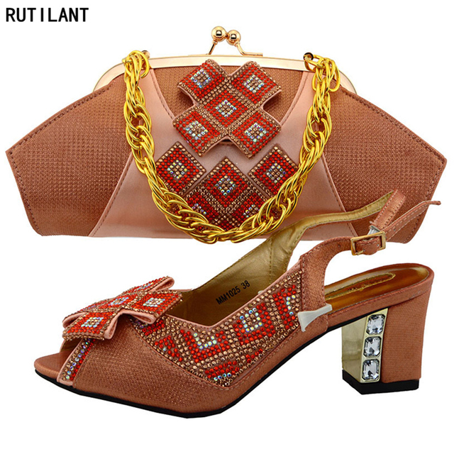 Peach Color Italian Ladies Shoe and Bag Set Decorated with Rhinestone  Nigerian Women Wedding Shoe and Bag Set African Party Shoe b5eb0a77d472