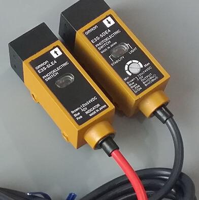 Freeshipping E3S-5E4 (E3S-5LE4 + E3S-5DE4) Photoelectric new E3S 5E4 E3S5E4(E3S 5LE4 + E3S 5DE4)(E3S5LE4+E3S5DE4) e3s ls5c4s e3s ls10c4s e3s ls20c4s photoelectric switch
