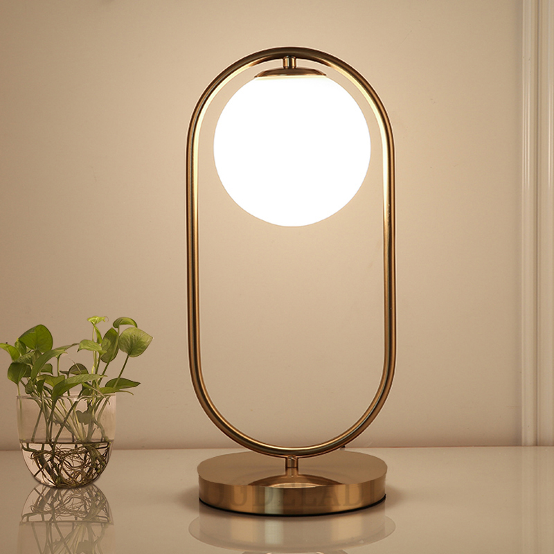 Nordic Art Deco Golden Body Table Lamp Metal Base Plate Modern Minimalist Frosted Glass Led Desk Lamp For Study/Bed Room