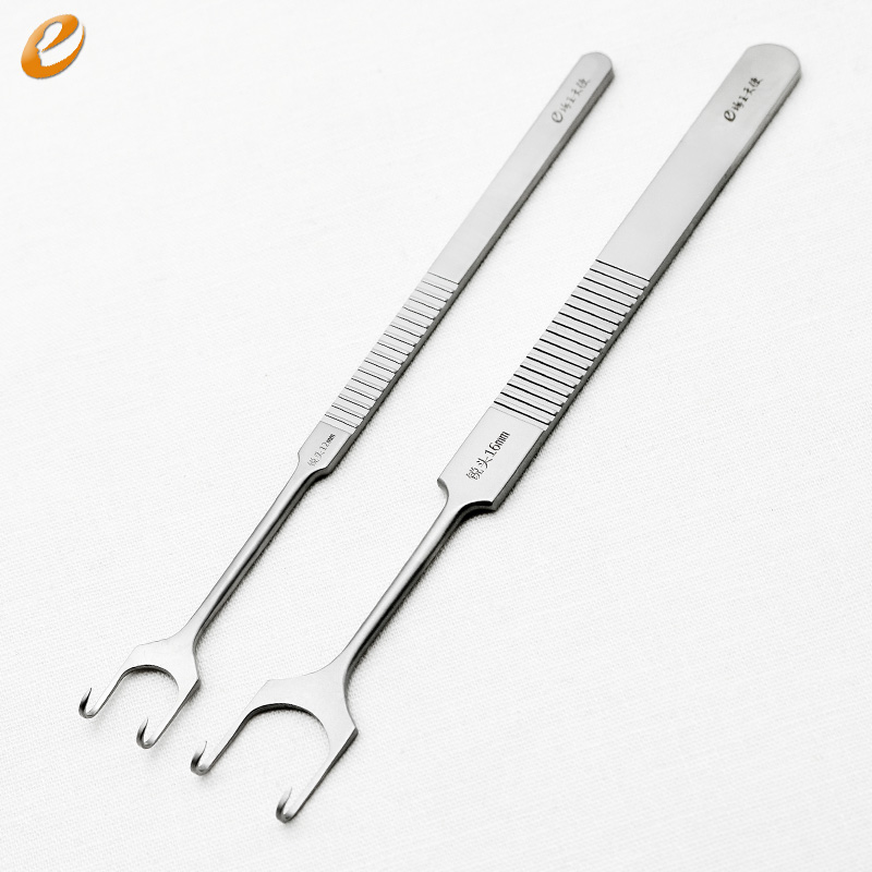 Medical retractor stainless steel Cosmetic and plastic surgery instruments and tools The nasal retractorMedical retractor stainless steel Cosmetic and plastic surgery instruments and tools The nasal retractor