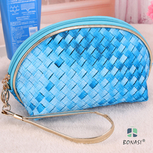 2017 Best Sales Women Fashion PVC Knitting Blue/Red Small Semicircular Cosmetic Bag maquilhagem with handle for Make up