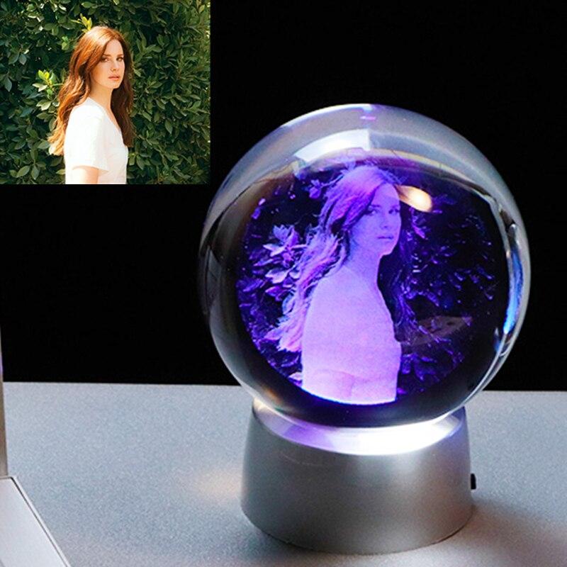Presente de cristal feito sob encomenda do presente da bola da foto da foto com base conduzida mutável presente de casamento para a festa personalizada da lembrança dos hóspedes