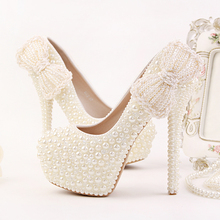 Luxury crystal high with wedding shoes Beige Bow Bow Waterproof Bridal Shoes Fine with round head dress shoes