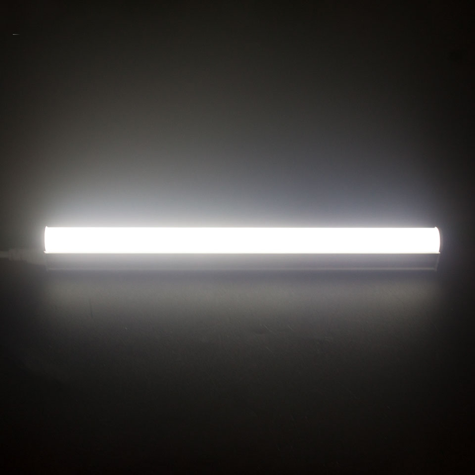 1pcs super bright led tube t5 1ft 2ft 6w 10w spotlight led tube lamp 1pcs super bright led tube t5 1ft 2ft 6w 10w spotlight led tube lamp fixture with 30cm 180cm cable wire 220v for indoor lighting in led bulbs tubes from arubaitofo Gallery