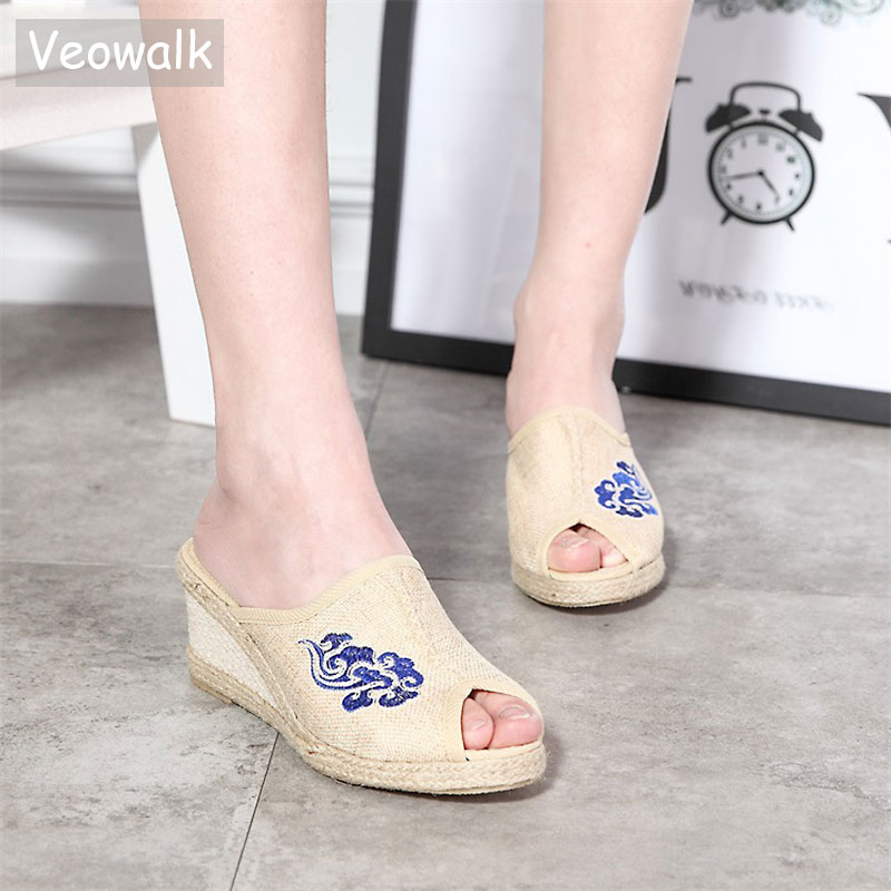 Veowalk Womens Open Peep Toe Linen Wedge Slippers Retro Summer Style Med Heel Floral Embroidered Comfort Slide Shoes for Ladies