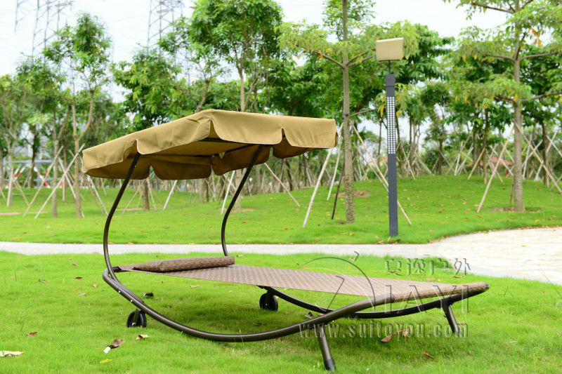 Outdoor swing chair sleeping bed hammock leisure hanging daybed with canopy for adults patio leisure luxury durable iron garden swing chair outdoor sleeping bed hammock with gauze and canopy