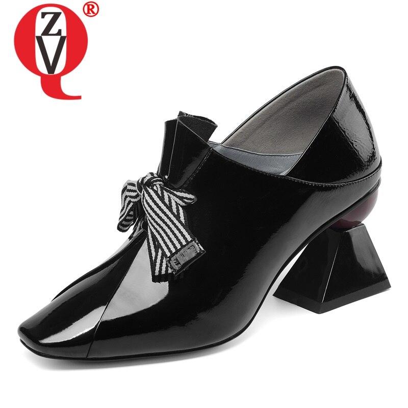 ZVQ sapatos mulheres primavera de moda de nova handmade couro de patente mulheres bombas dedo do pé quadrado sapatos estilo estranho cross-amarrado plus tamanho sapatos