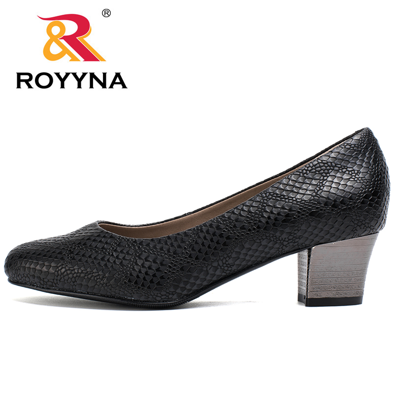 Image 5 - ROYYNA 2017 Popular Style Women Pumps Square Heels Ladies Shoes Serpentine Upper Material Women Shoes Shallow Women Casual Shoeswomen pumpswomen shoesshoes woman shoes women -