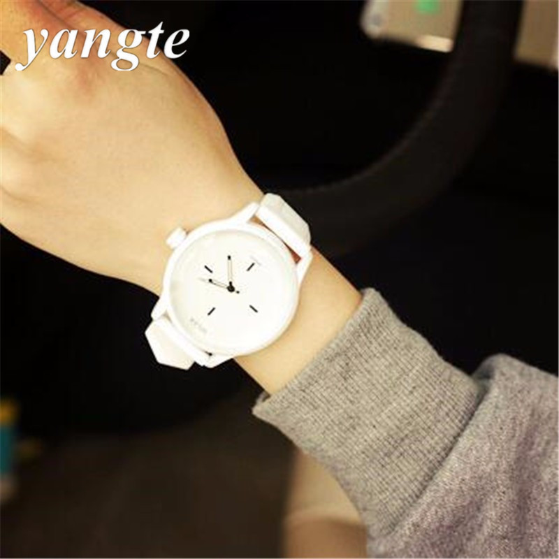 YANGTE Silicone Quartz Watch Brand Women Watches Lovers Jelly Casual Watch Relogio Feminino 2017 Classic Black White Clock H94 exquisite lolita beaded hollow pendant lace charm bracelet with ring for women