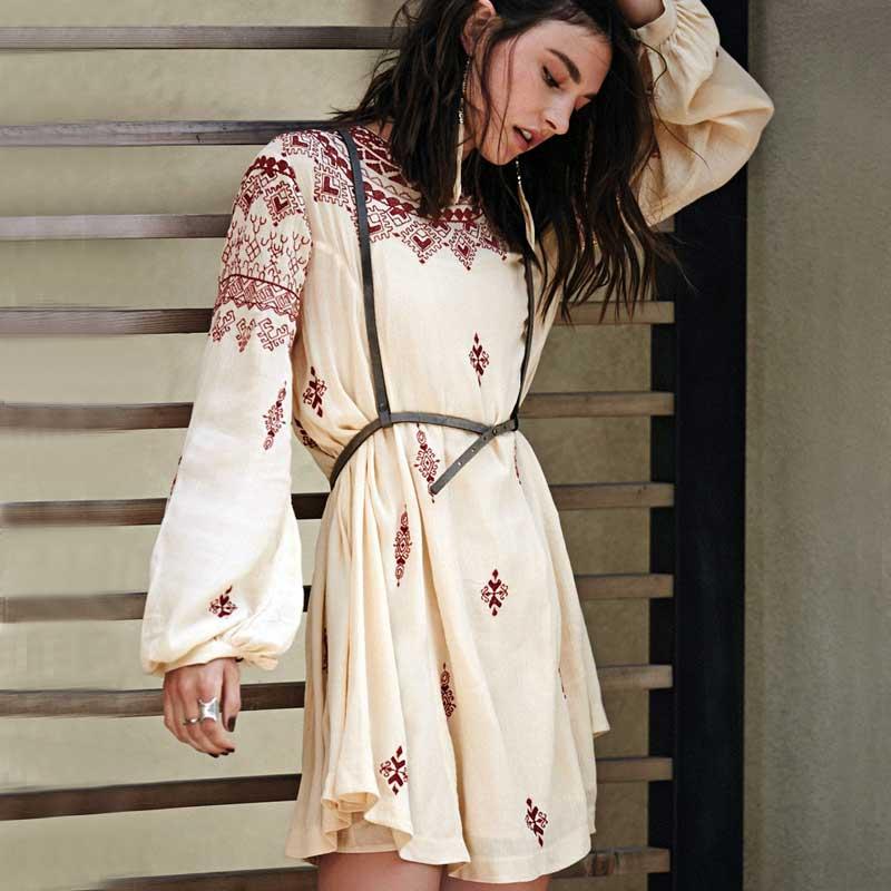 Dámské květinové výšivky Boho šaty Mini šaty s hlubokým výstřihem s dlouhým rukávem Vintage Hippie Elegantní styl Holiday Bohemian Female Clothing