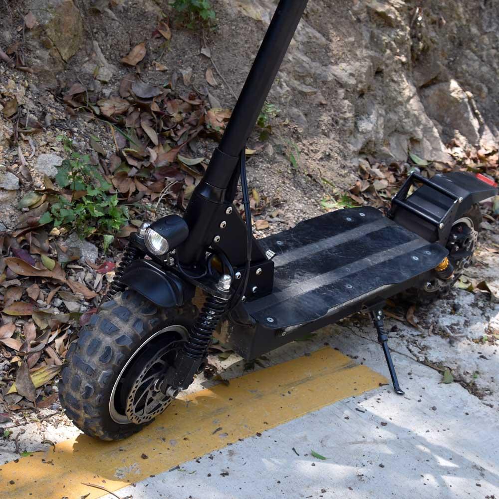 Scooter électrique de double moteur de la vitesse rapide 3200 W de 85 KM/H avec le stock européen d'entrepôt de siège