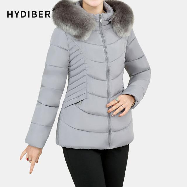 Plus Size 2016 Casaco de Inverno Mulheres Curto Com Capuz Jaqueta Gola de Pele de Algodão Acolchoado Sólidos Parkas Amassado Casaco Fino Outerwear Topos