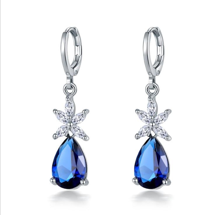 New Popular zircon earrings fashion drop-shaped earrings Woman Crystal from Swarovskis Simple Temperament Wild Anti-allergic