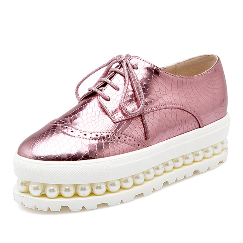 Women Oxfords 2016 Patent Leather Creepers Pearls Platform Shoes Woman Hollow Flats Casual Women Shoes Size Plus 34-43 XWD4104 bling patent leather oxfords 2017 wedges gold silver platform shoes woman casual creepers pink high heels high quality hds59